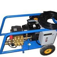 Máy rửa xe nước lạnh C300/20