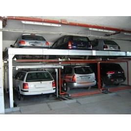 Bãi xe đơn giản trong tầng hầm